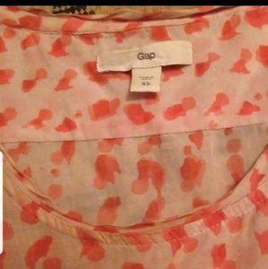 GAP Tops - Lightweight cotton Gap sleeveless blouse